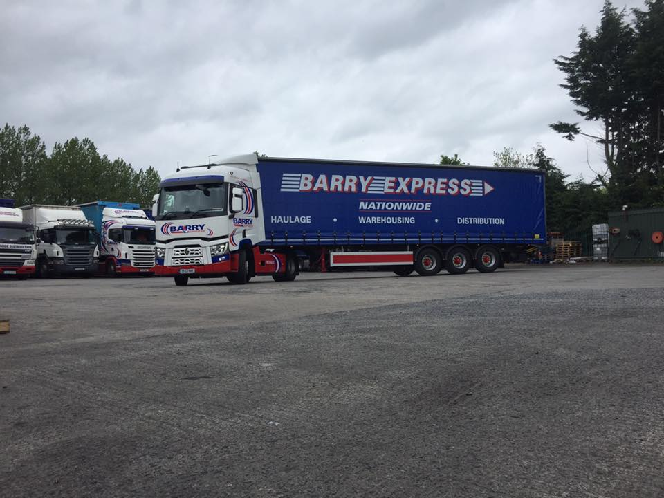 Barry Express curtainsider trailer spot