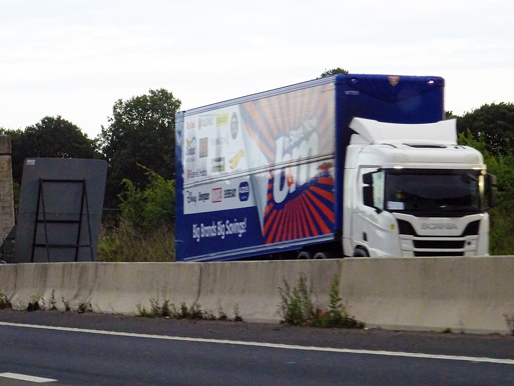 B&M double deck trailer by Tiger tagged