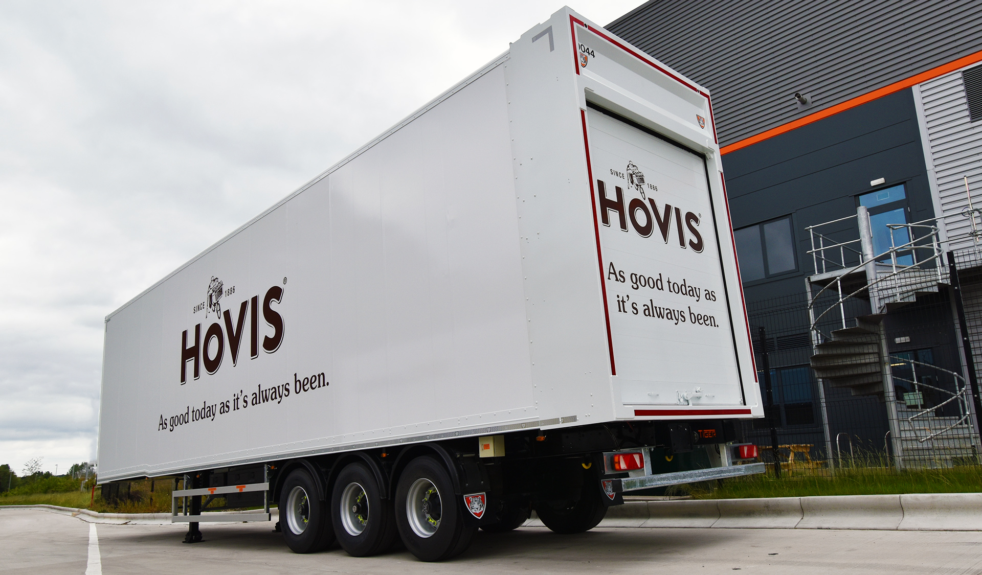 Case study - Hovis baker innovative efficient moving double deck bread basket - internal roof