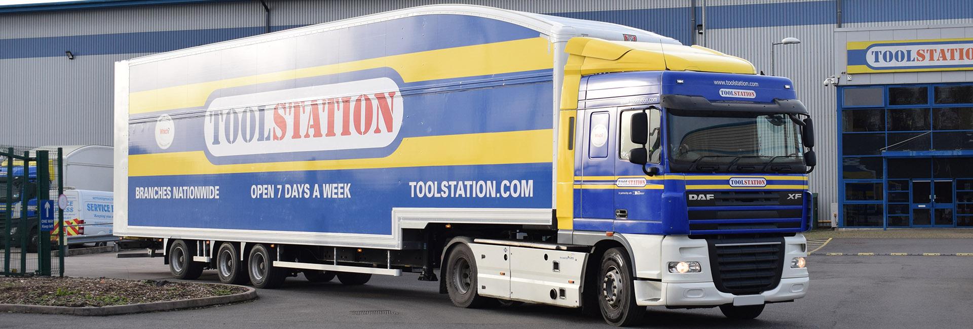 Case study - Howard Tenens 3PL logistics longer semi trailer LST double deck front DAF XF truck