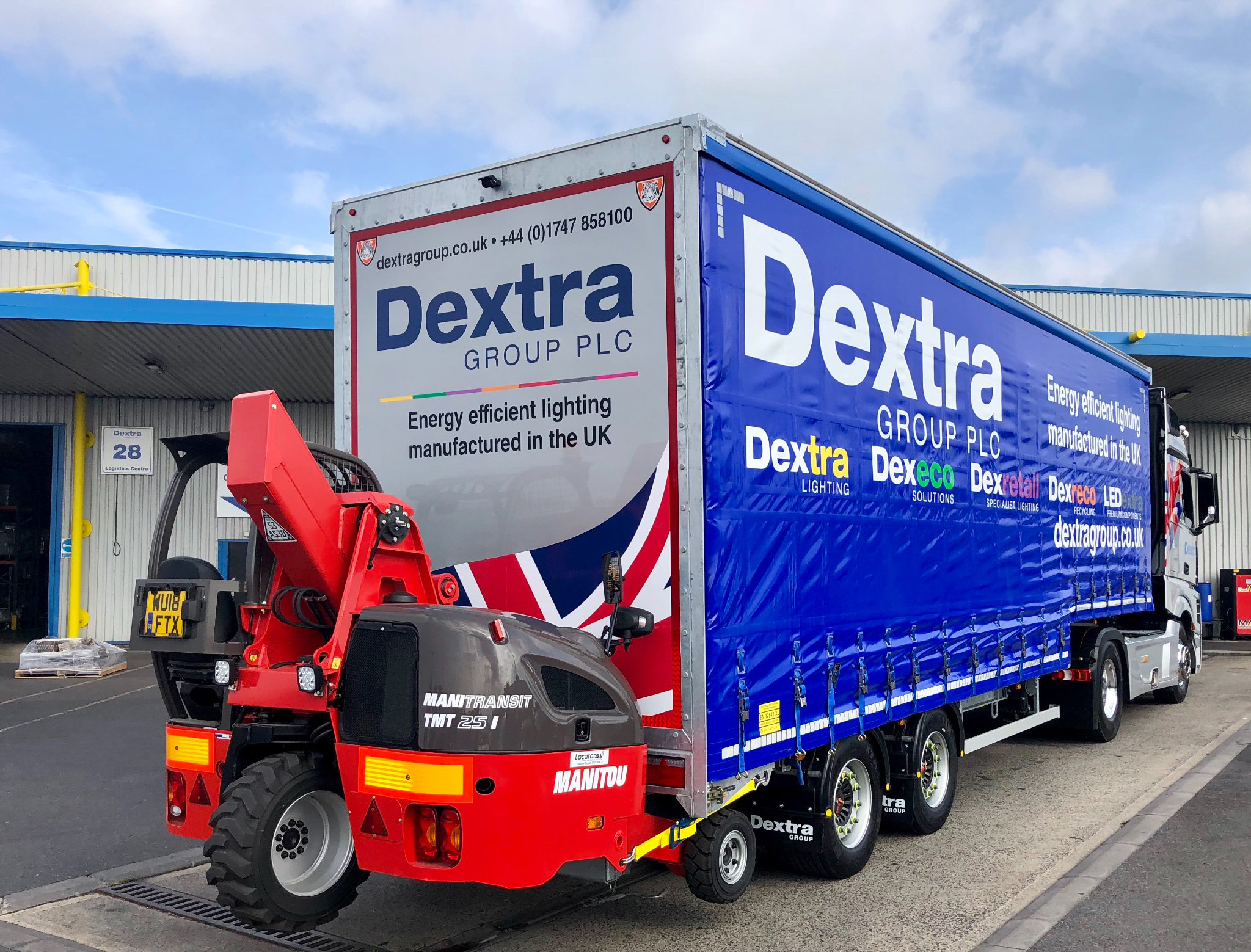 Dextra Lighting trailer spotted Manitou