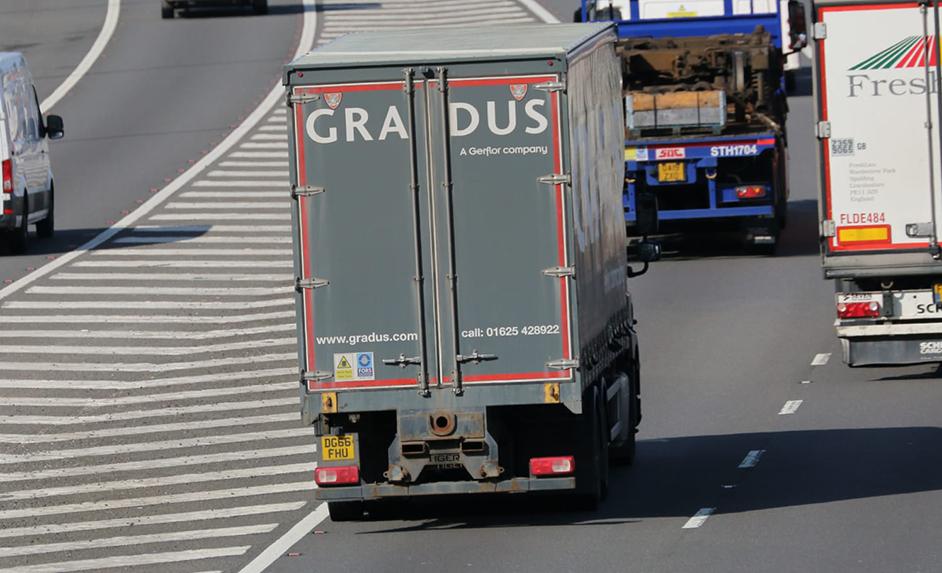 GRADUS Gerflor curtainsided trailer spot - Tim Pickford