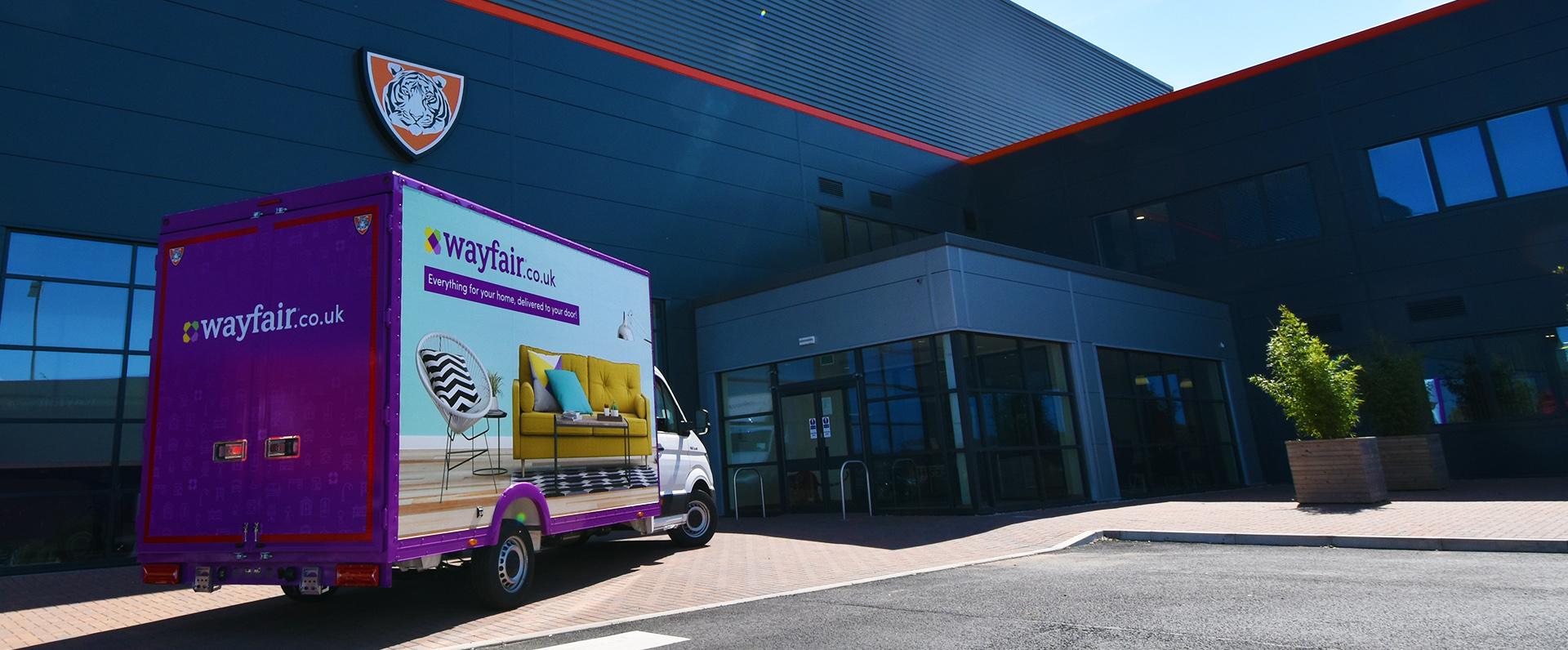 Rigid Bodywork - Wayfair 3.5t delivery van MAN shutter
