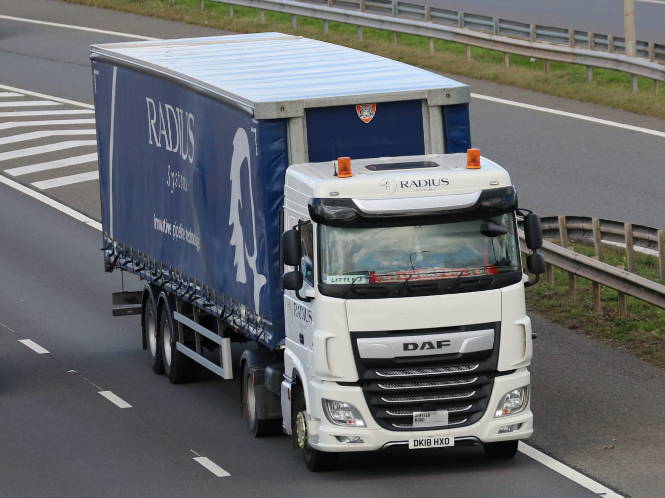Radius Systems Tiger curtainsider spot - Tim Pickford