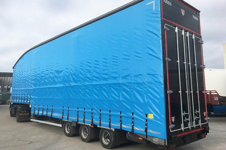 Rentals hire - photo trio - double deck curtainsider 1
