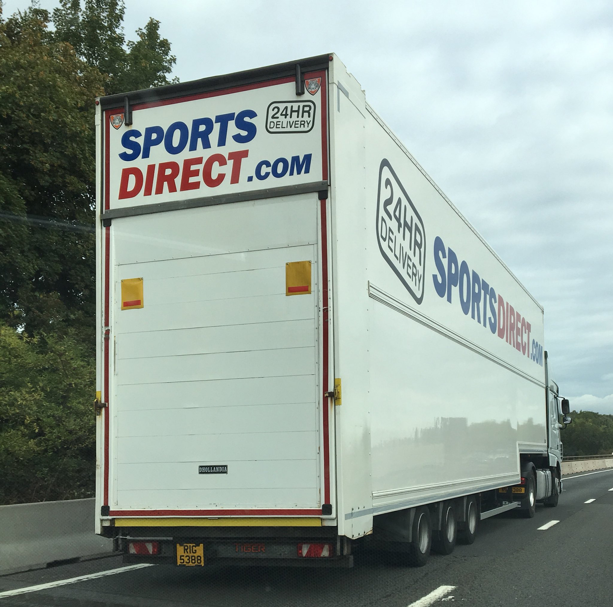 Sports Direct Tiger double deck trailer tag