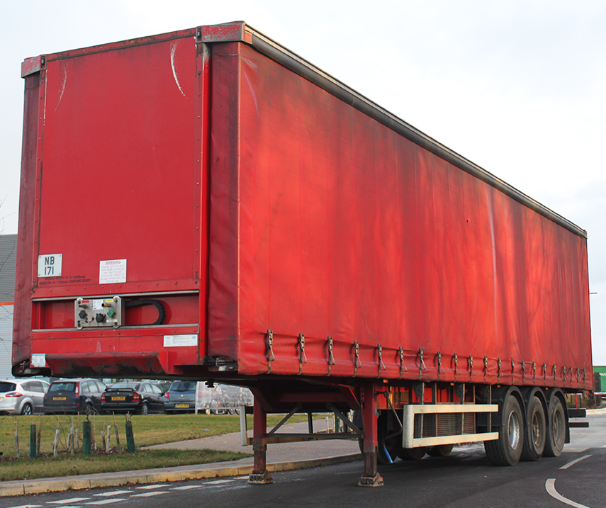 Used second hand refurbished curtainsider double deck trailer sales UK - Winsford, Cheshire 03