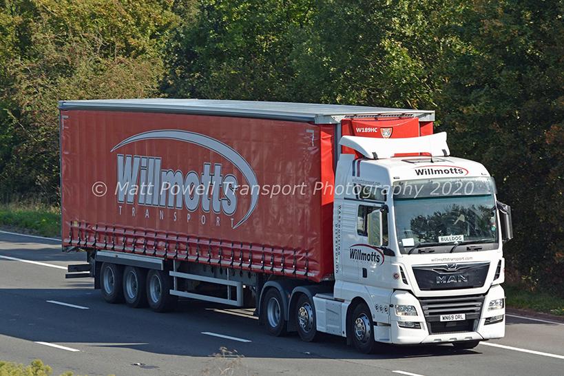 Willmotts Transport Tiger Trailer curtainsider by Matt Powell Transport Photography