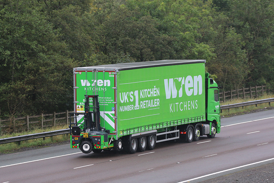 Wren Kitchens double deck fork lift Tiger Trailer spot Tim Pickford