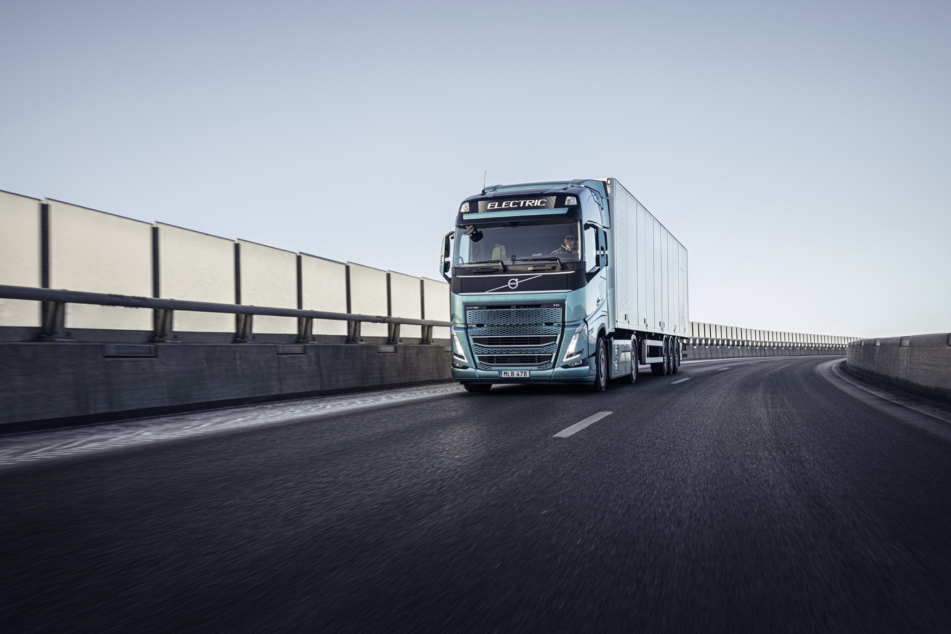 Volvo FM FH electric truck tractor cab units