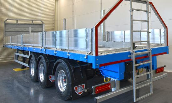 Migdale Transport | Specialist dropside flatbed live fish tank carrier