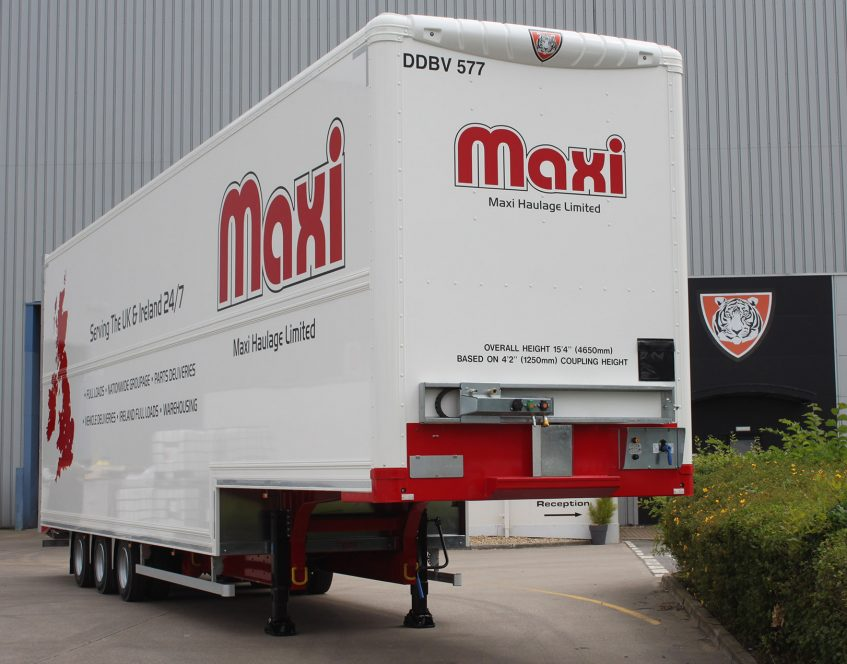 News - Maxi Haulage innovation double deck Irish ferry 465m height restriction cages 01
