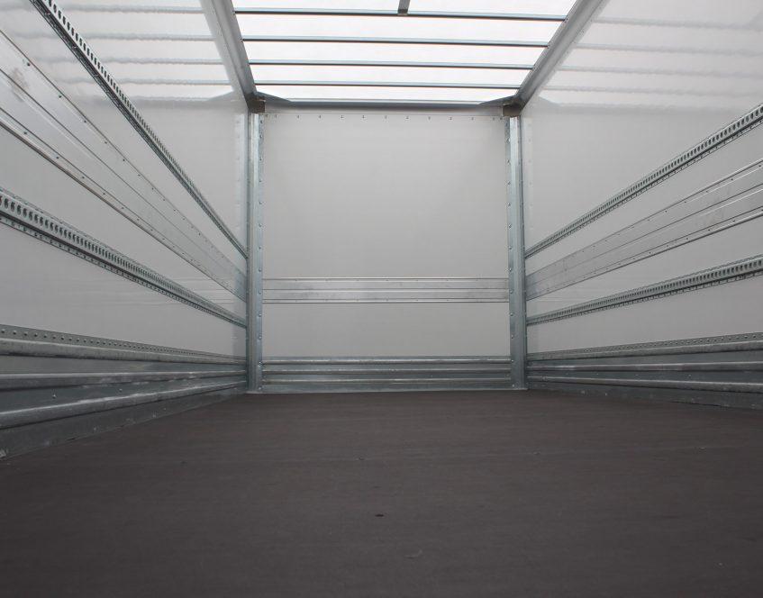 News - Rigid truck body manufacturer Renault for Whistl floor roof internal