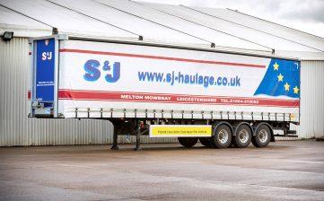 S&J Haulage European curtainsider - safety infills