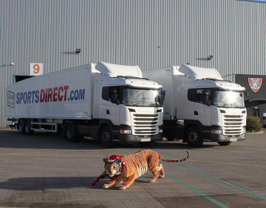 News - Sports Direct rigid drawbar prime mover swap body trucks trailers Tiger model