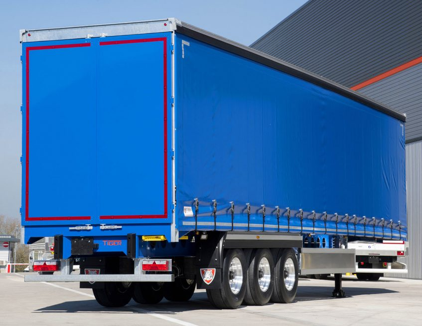 Tata Steel - lightweight clearspan pillarless curtainsider - chassisTata Steel - lightweight clearspan pillarless curtainsider - efficient